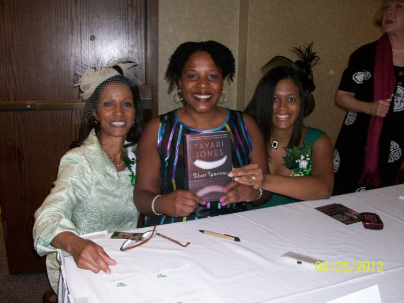 Booksigning at the Links Luncheon